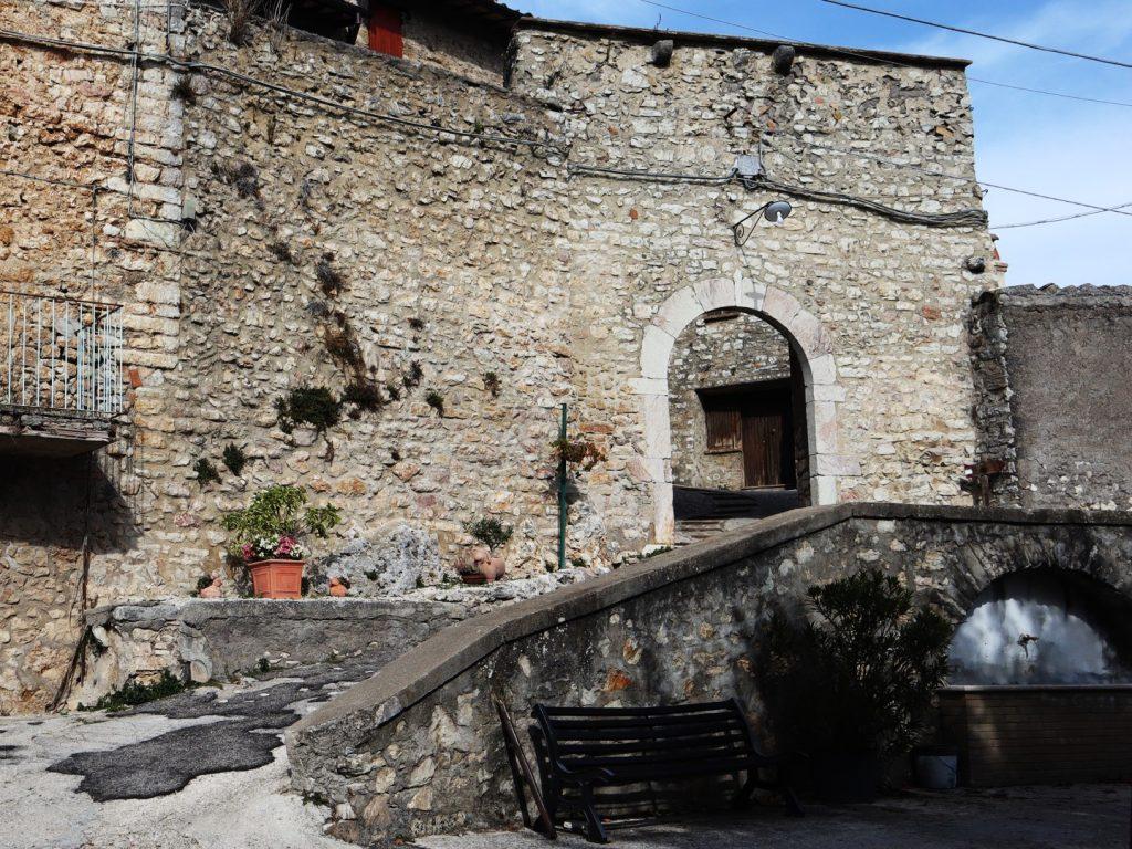 san-mamiliano-porta-di-ingresso-vista-lato