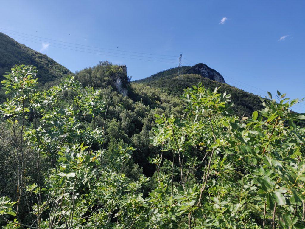 Lo sperone di roccia dove sorgeva la torre